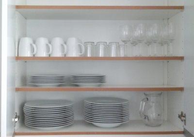 Vuokrahuonekalut - Astioita (2)